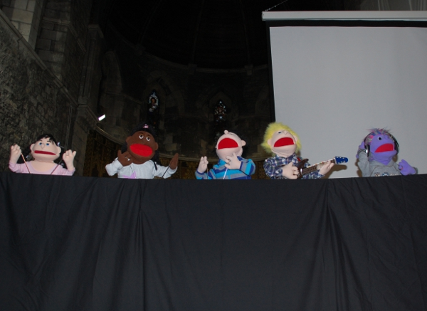 Praise Puppets In Action